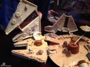 star-wars-the-force-awakens-millennium-falcon-micromachines-playset-080615-012